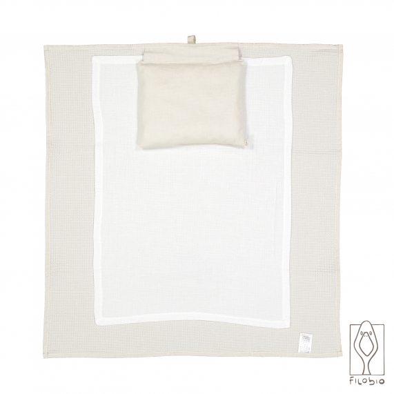 Baby-changing unit for travel in pure linen